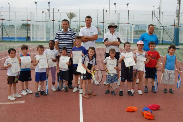 Los jóvenes jugadores de la Escuela Municipal torreña de tenis, diplomados - 2, Foto 2