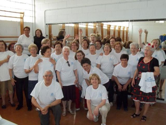 Más de medio centenar de vecinos han participado en el Curso de Gerontogimnasia - 1, Foto 1