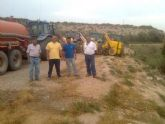 El ayuntamiento, con la colaboración de los vecinos de Raiguero y Lébor, lleva a cabo la desinfestación de la plaga de mosquitos