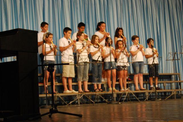 La Escuela Municipal de Música clausura el curso 2010/2011, Foto 2