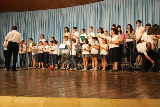 La Escuela Municipal de Música clausura el curso 2010/2011, Foto 3