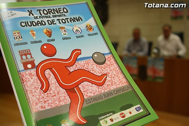 "The X youth soccer tournament ""Ciudad de Totana"" takes place this weekend with the participation of six teams"