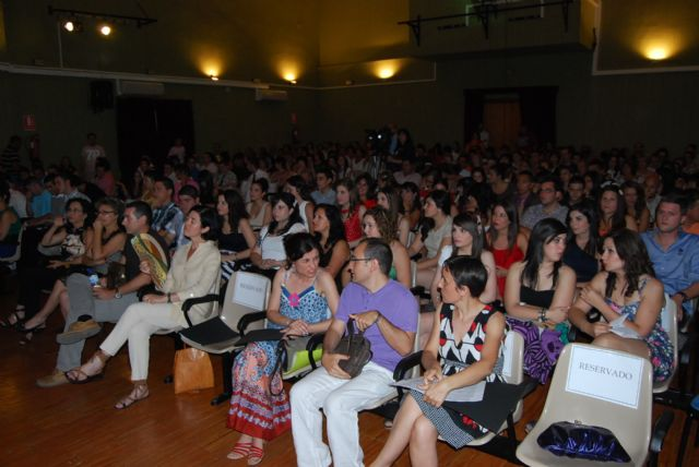 "Graduation of students in vocational training and high school students from IES ""Prado Mayor"""