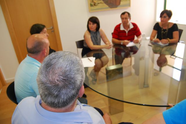 The Mayor and City Council Services CEDET meet with officials