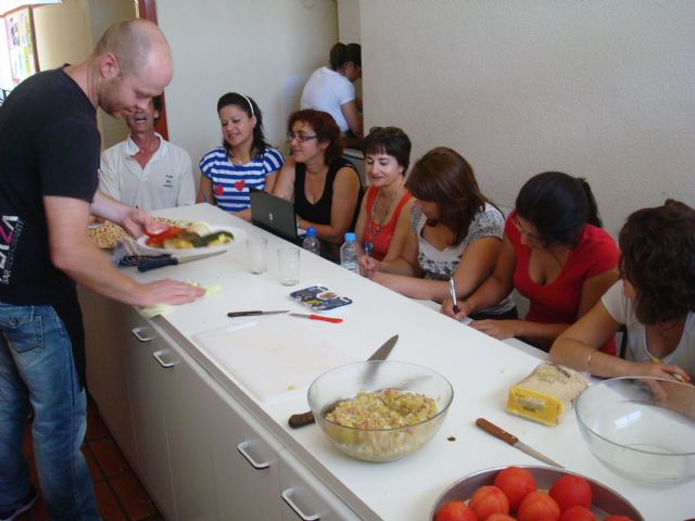 A total of twenty students are initiated into the world of cuisine