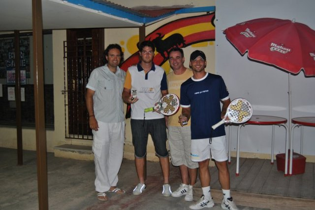 The Fran totanero Abellaneda proclaimed champion of the Regional Master Paddle