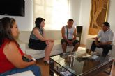 La alcaldesa de Totana se reúne con la junta directiva de la Asociación de Inmigrantes 'FAE'
