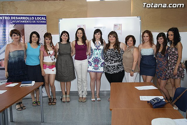 "Eleven young people complete the program of qualifications in ""ancillary Aesthetics"""