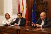 El alcalde mantiene una reunión de trabajo con responsables de la Unión Europea