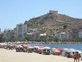 Organizan cursos gratuitos de talasoterapia en la playa.