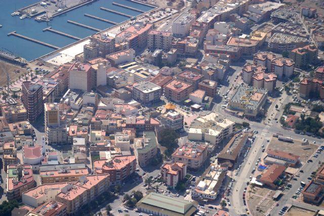 Iniciada la campaña del IBI con mayores facilidades para los vecinos de Puerto de Mazarrón, Foto 1