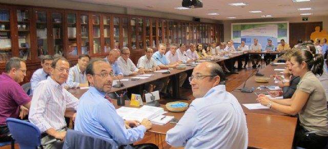 Los alcaldes del PP de la Región suscriben el Compromiso del PP por la austeridad, la transparencia, el empleo y las políticas sociales, Foto 1