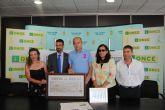 Cinco millones de cupones de la ONCE promocionarán en toda España la Playa Mistral de La Manga, en San Javier