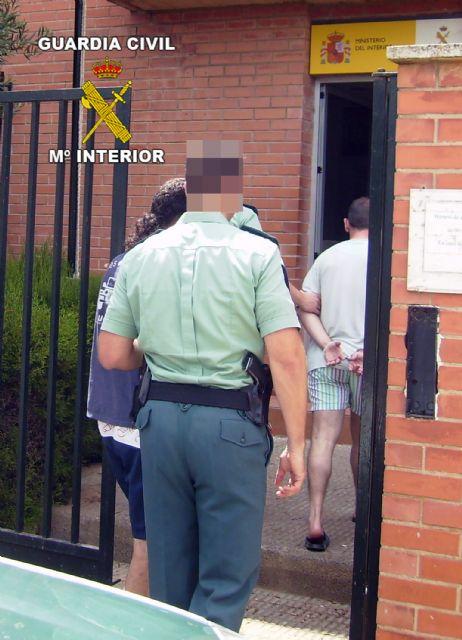 La Guardia Civil detiene a cuatro personas por robo en una explotación agrícola de Mula - 1, Foto 1