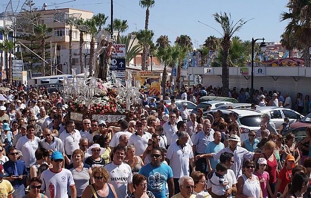 Miles de personas acompañan a la patrona de los pescadores en la romería de San Pedro del Pinatar - 2, Foto 2