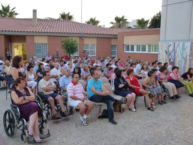"Students of the Day Centre ""José Moya"" closure activities of the course with an emotional ceremony"