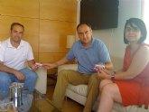 El Olímpico de Totana hace entrega de los abonos de socios de honor a la alcaldesa y al concejal de Deportes