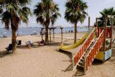 Ayuntamiento y Cruz Roja impulsan dos nuevos puntos de baño adaptado en las playas