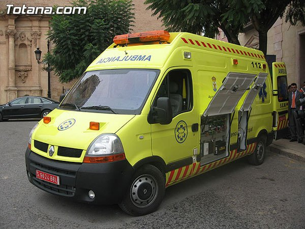 IU-Greens and requires an immediate solution to the problem of municipal emergency ambulance and basic support, ceding to the Assembly Local Red Cross for use