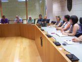 La alcaldesa informa a la junta directiva de la CEBAG de los planes de ajuste y saneamiento económico, las previsiones de pago a proveedores