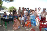 Autoridades municipales visitan a las personas mayores que participan en el programa de viajes '¡Vente a la playa!'