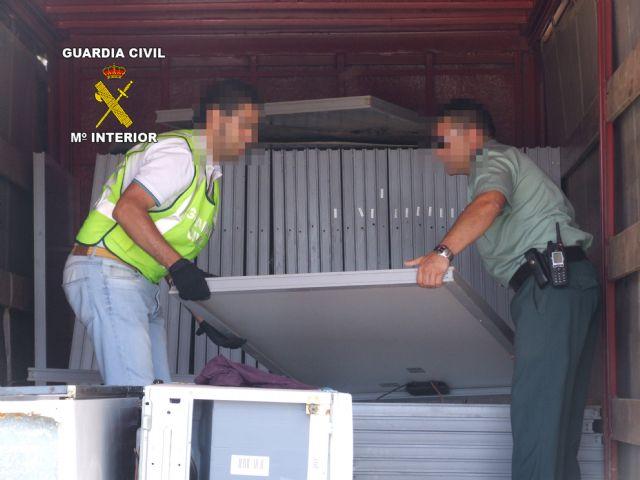 Halladas 54 placas solares robadas gracias a un servicio coordinado de Guardia Civil y Policía Local de Torre Pacheco - 1, Foto 1