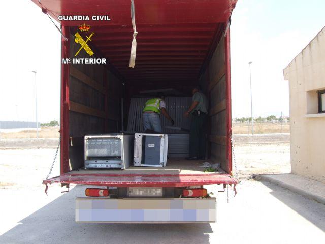 Halladas 54 placas solares robadas gracias a un servicio coordinado de Guardia Civil y Policía Local de Torre Pacheco - 2, Foto 2