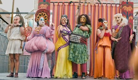 El Satiricón, de Guirigai Teatro inaugura el Festival Internacional de Teatro y Danza de San Javier con una gran fiesta en la plaza de España - 1, Foto 1