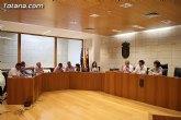 El Pleno aprueba la reducción del 50 por ciento de las tasas de las terrazas como medida para ayudar a los hosteleros