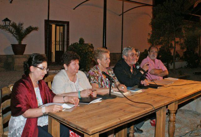Poetas lumbrerenses congregaron a más de un centenar de personas en un recital de poesía - 1, Foto 1