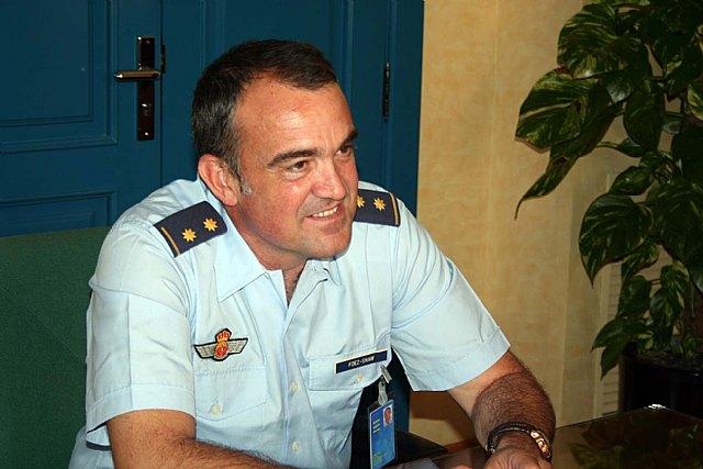 El teniente coronel jefe del Escuadrón de Zapadores Paracaidistas del Ejército del Aire se despide del alcalde - 3, Foto 3