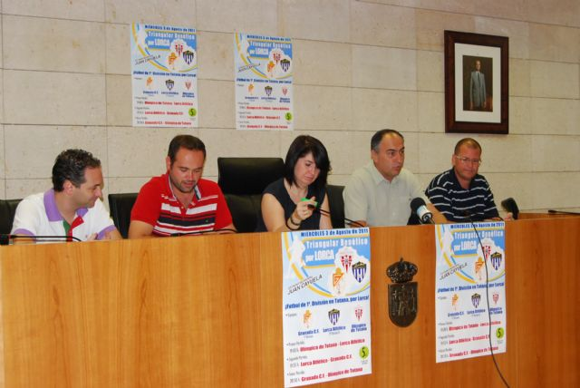 El Granada CF, de Primera Divisi�n, el Lorca Atl�tico y Ol�mpico de Totana disputan un triangular ben�fico por los daminificados del terremoto de Lorca, Foto 1