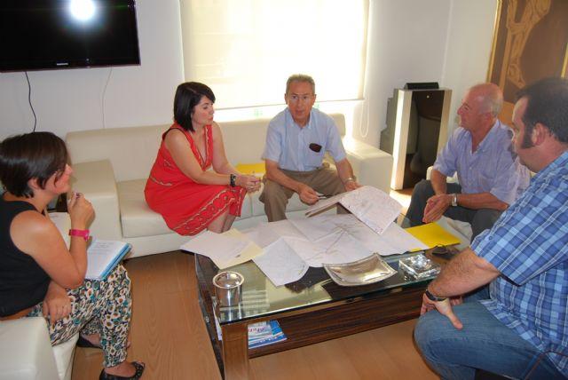 La alcaldesa y el director general del Agua visitan las obras de ampliaci�n de la Estaci�n Depuradora de Totana, Foto 1