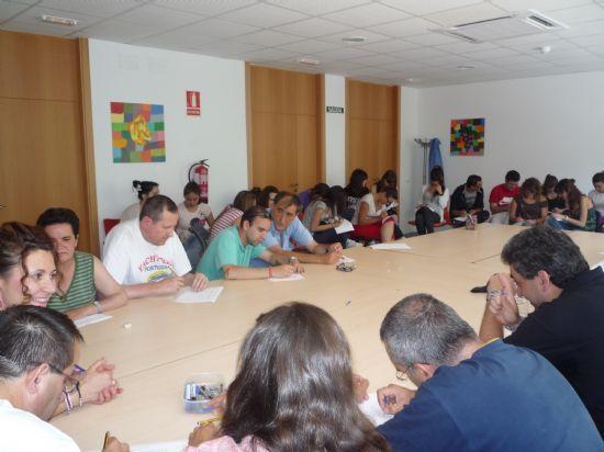El ayuntamiento de Totana y el IMAS suscriben un convenio por vez primera para el mantenimiento del Centro de D�a para Personas con Enfermedad Mental, Foto 1
