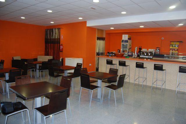 Se inaugura el nuevo servicio de cafeter�a habilitado en el Centro Social del barrio Ol�mpico-Las Peras, Foto 1