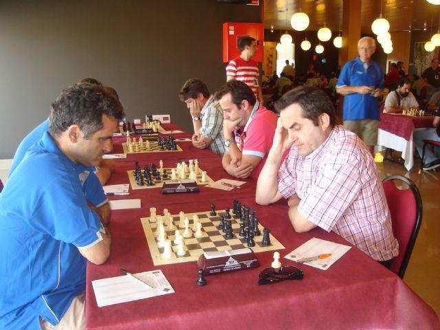 Casi�200 ajedrecistas disputan desde ayer en Totana el Campeonato Nacional correspondiente al grupo II, Foto 3