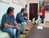 El consejero de Presidencia recibe al alcalde en funciones de Santomera