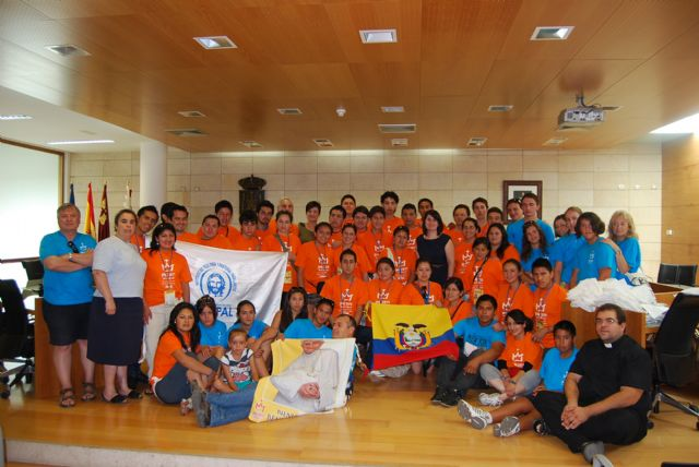 """A total of 33 pilgrims from Ecuador are hosted by families and school totanera """"La Milagrosa"""" in connection with the celebration of World Youth Day"""