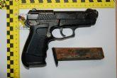 Detenidos tres hombres responsables de la manipulación de un arma detonadora para transformarla en apta para disparar