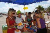 La Estación Náutica y la concejalía de Medio Ambiente hacen campaña entre los bañistas sobre el cuidado de las playas