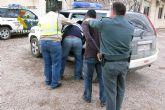 La Guardia Civil sorprende a dos hombres robando en una vivienda en El Algar