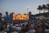 Más de un millar de fieles siguen la misa en honor al Cristo del Mar Menor en la explanada de Lo Pagán