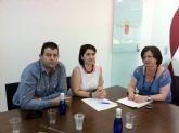 La alcaldesa de Totana y la directora general de Comercio, Consumo y Artesanía trabajan en la puesta en marcha del Plan de Dinamización del Comercio Minorista