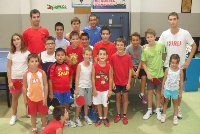 Gran acogida de la escuela de verano de tenis de mesa entre los jóvenes - 1, Foto 1