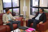 El alcalde ser re�ne con el Consejero de Universidades, Empresa e Investigaci�n y le solicita ayuda para captar inversores para Alhama