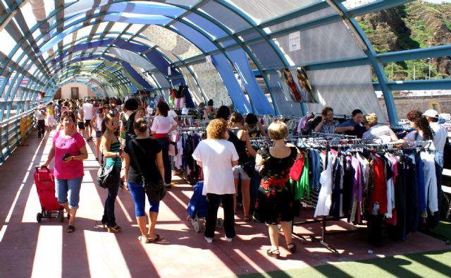 ASEPLU y el Ayuntamiento  organizan la segunda edición del Mercadillo 'Comercio Lumbrerense' para fomentar la actividad de los comercios locales - 2, Foto 2