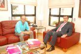 El alcalde se reúne con Ballesta para potenciar el comercio Santomerano