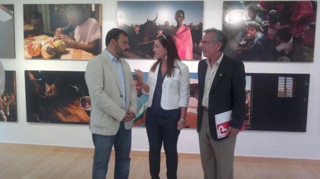 Dos exposiciones fotográficas dan a conocer en El Carmen la labor de ONGs en India y Bolivia - 1, Foto 1