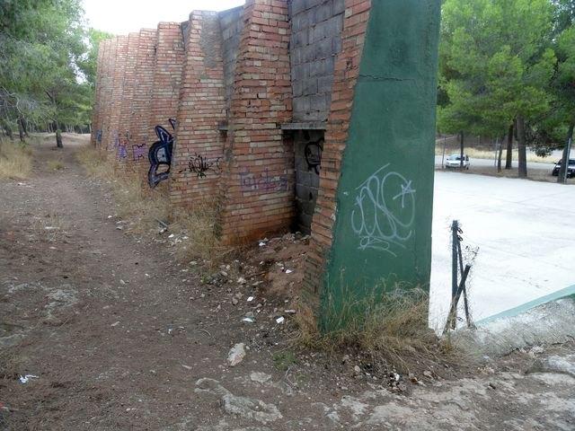 El Grupo Socialista lamenta el estado de abandono de la zona de El Valle Perdido y de las instalaciones deportivas anexas - 1, Foto 1