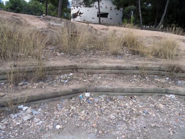 El Grupo Socialista lamenta el estado de abandono de la zona de El Valle Perdido y de las instalaciones deportivas anexas - 2, Foto 2